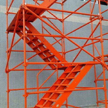 国家认证产品(安全爬梯、梯笼)组合式梯笼、香蕉式安全爬梯、使用放心、安全可靠。