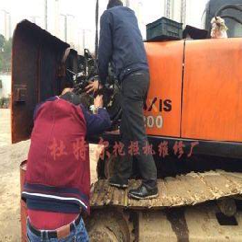 日立ZX210LC挖掘机动臂无力慢维修