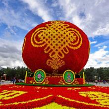 四川仿真绿雕造型厂家,定制2020春节喜庆雕塑造型图片