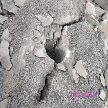 秦?#23454;好?#30707;破碎开采劈裂棒岩石机价格图片