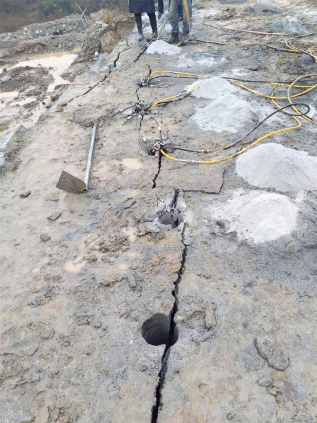 传统安全静爆岩石的机械无声免爆破-一套多少钱
