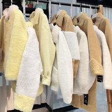 維密19年冬季大碼顆粒絨大衣品牌折扣女裝貨源批發圖片