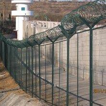 四川铁路护栏网厂家安装施工铁路高速公路封闭网绿色框架护栏网