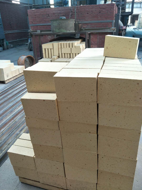 新密耐火砖厂家直销高铝砖粘土砖浇注料价格便宜量大从优