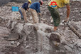 挖掘鉆孔劈裂一體機怎么操作