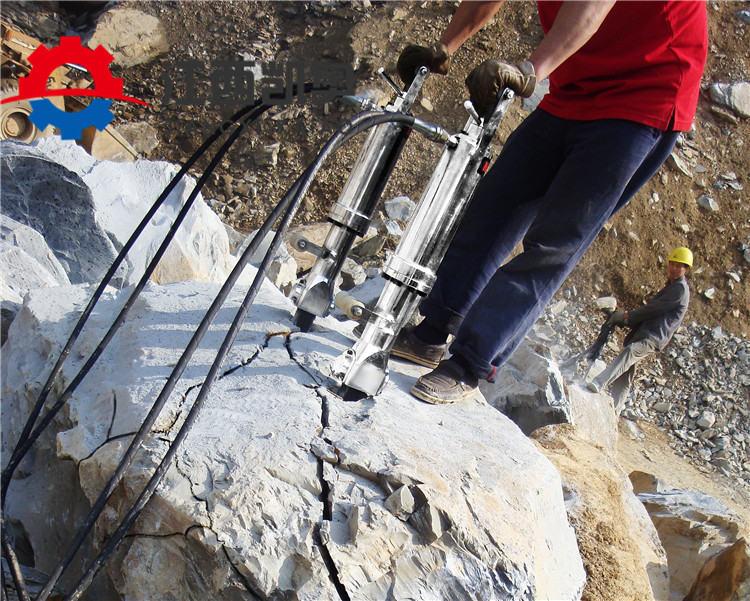 挖机带动劈裂机安徽芜湖