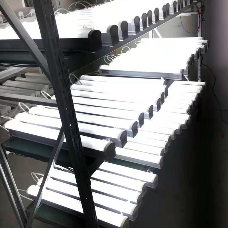 LED一体三防灯18/28/36/48W医院酒店冷库浴室照明防水防虫防尘
