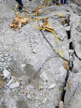 毕节市-基坑开挖岩石液压开石机图片