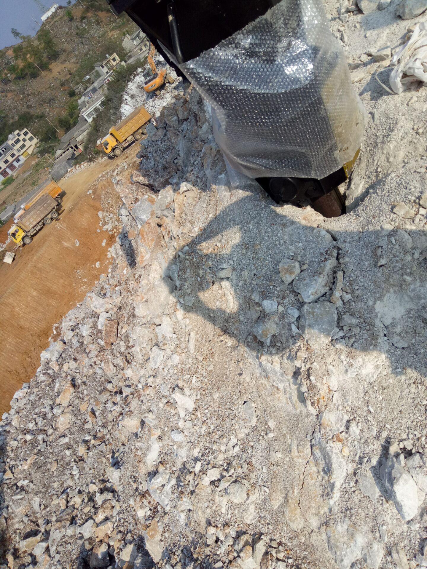 岩石静态爆破静态岩石开采大机开山机