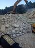 露天矿山开采破岩石机