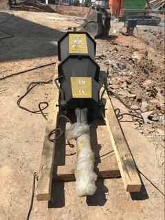 高速修建邊坡巖石分裂機圖片5