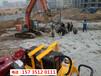 黄南尖扎高速路扩宽遇到石头液压劈石机低成本设备