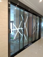 重庆市荣博自动门江北区渝中区渝北区玻璃感应门安装图片