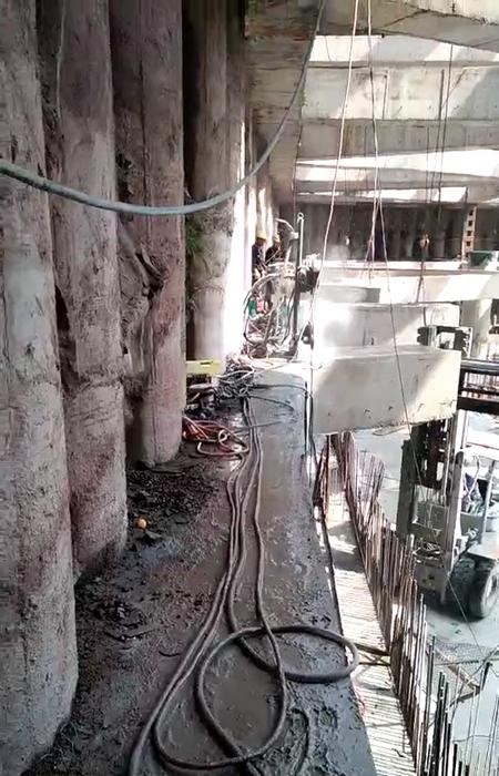 水下钢管切割自带挖掘机