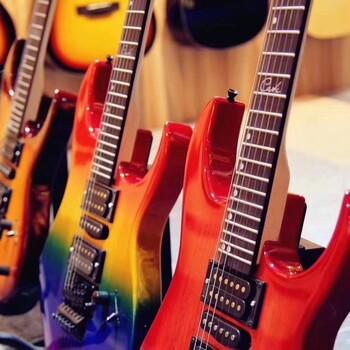 公明娄村哪里学吉他李松蓢罗田哪里有琴行公明天虹吉他培训