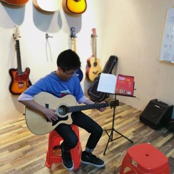 光明公明学民谣吉他公明小学附近音乐培训机构