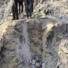 液壓無聲設備開采石頭裂石棒_質保多久山東淄博圖片