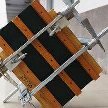 新型方柱扣对比传统方柱加固件优势及加固施工的7大要点