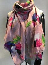圍巾工廠外貿滌綸花朵印花圍巾圖片