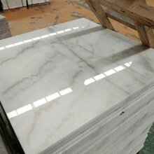 广西白大理石大板天然白色石材荒料图片