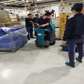 广西环卫保洁道路用百色柳宝驾驶式洗地机工业电动清洗机