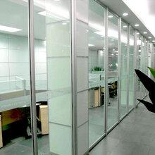 隔斷墻生產玻璃隔斷運用圖片