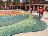 岑溪市水上乐园洗砂地坪工艺艺术洗砂地坪施工流程免费指导图片0
