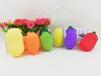 义乌泓智搪胶玩具厂定制蔬菜包花生辣椒茄子苦瓜胡萝卜玉米戏水捏捏叫发声玩具