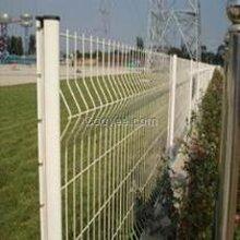 三角折弯护栏网三角折弯围栏网安装标准图片