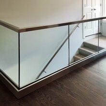 无立柱玻璃栏杆地槽-玻璃栏杆图片
