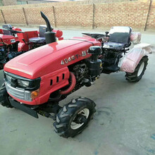 低油耗小型四轮拖拉机四轮带犁地旋耕机多缸四轮驱动拖拉机图片