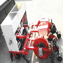 喷药覆膜机农用花生播种覆膜机手扶车带动地膜机地膜覆盖机图片