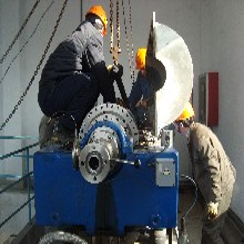内蒙古阿拉善盟国产瑞威卧螺沉降离心机维修大包保养图片