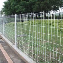 护栏网厂家供公路护栏网规格公路护栏网批发