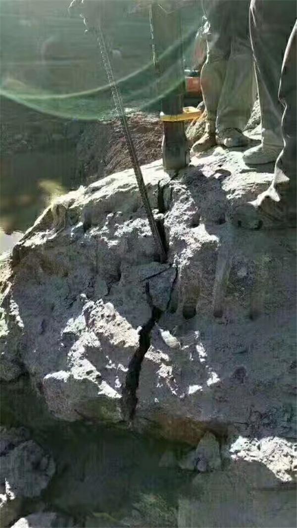 黄南取代放炮裂石矿山开采器环保开采