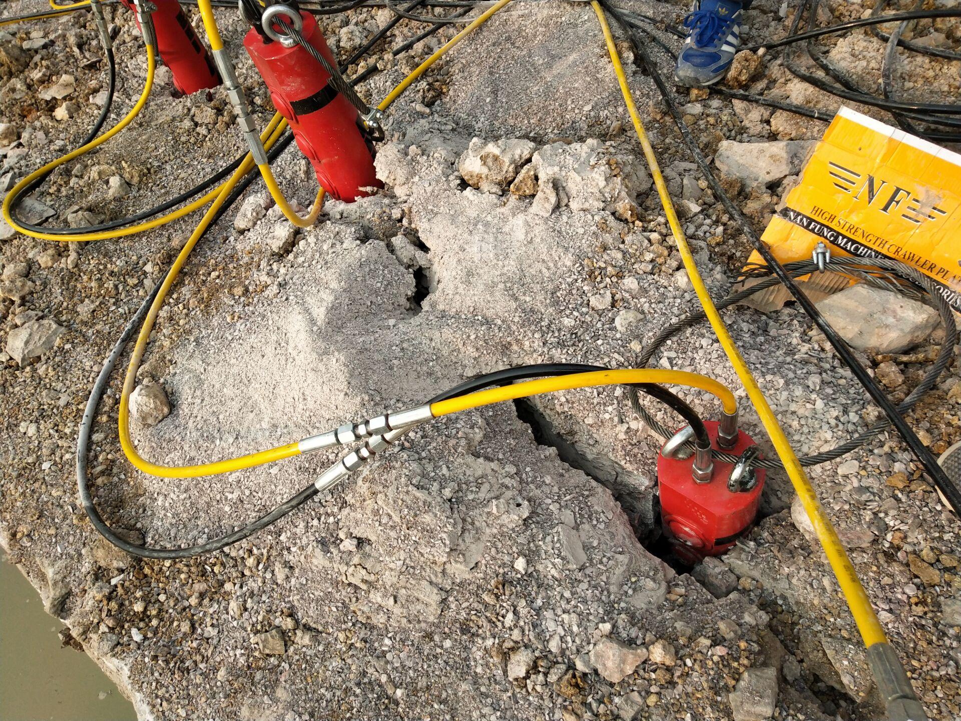 福建采石场裂硬石头破裂机怎么开采