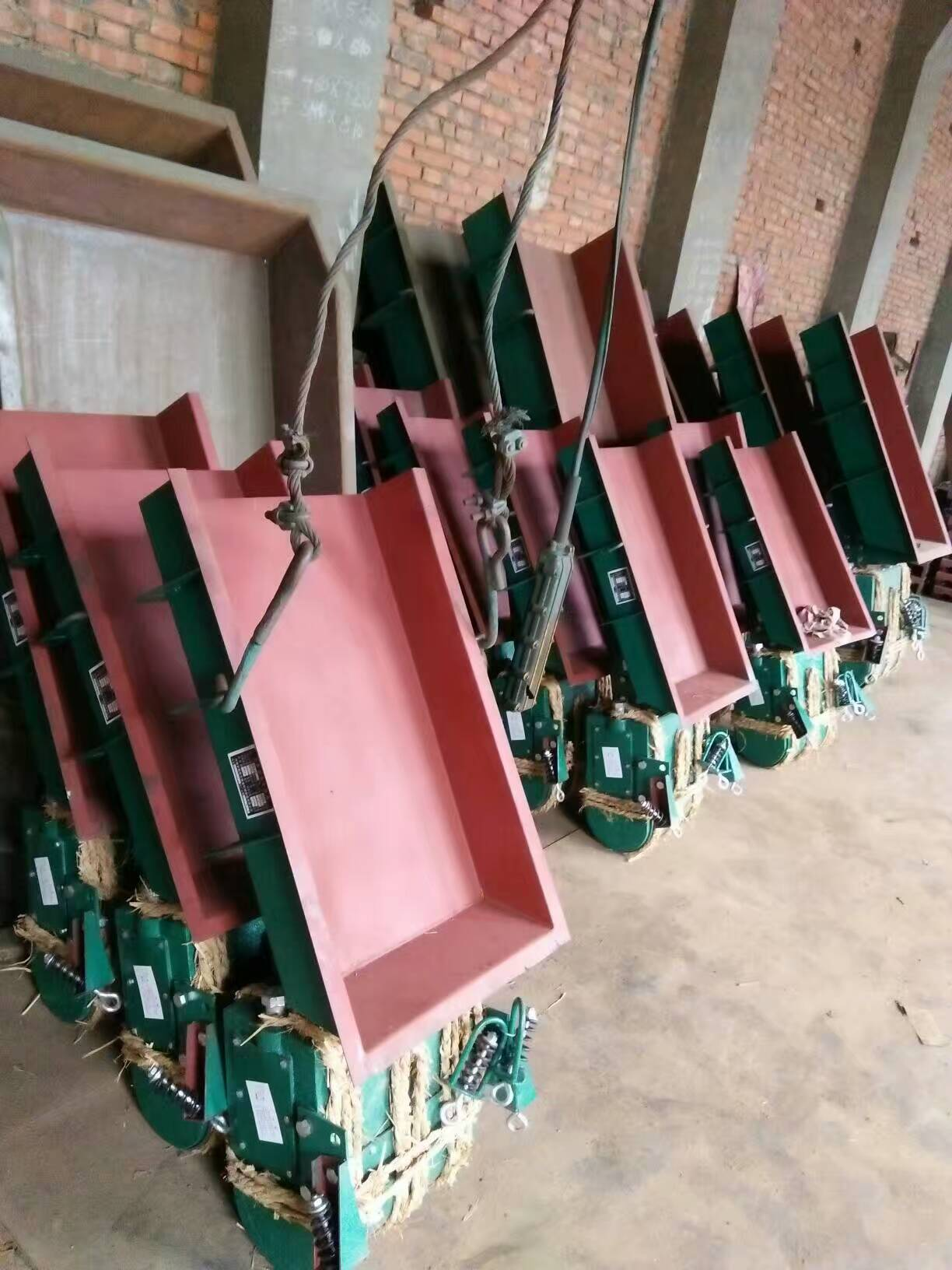 小型电磁给料机配料用宽槽式给料机