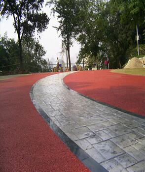 江苏盐城彩色透水地坪,生态透水混凝土的材料特点可包工包料