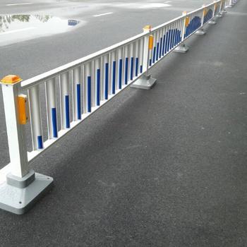 反光灯护栏,公路道路隔离护栏,城市交通护栏