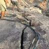 水庫修建開挖石頭太硬用裂石機