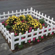 草坪护栏图片PVC护栏规格塑钢护栏颜色别墅护栏定制图片