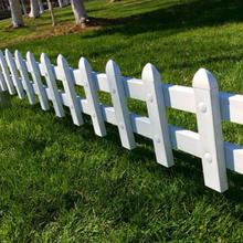 天津护栏网厂家直销塑钢护栏PVC护栏草坪护栏别墅护栏图片