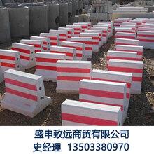 水泥隔离墩模具价格常规隔离墩模具新型水泥隔离墩钢模具图片