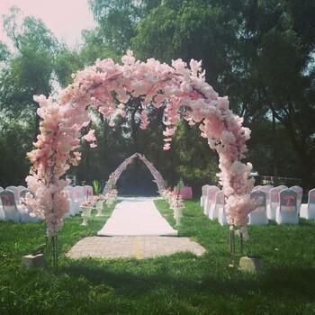 沈阳特色婚宴酒店举办浪漫草坪婚礼的好地方