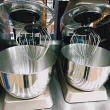 惠州奶茶設備原料批發市場奶茶刻度量杯批發圖片