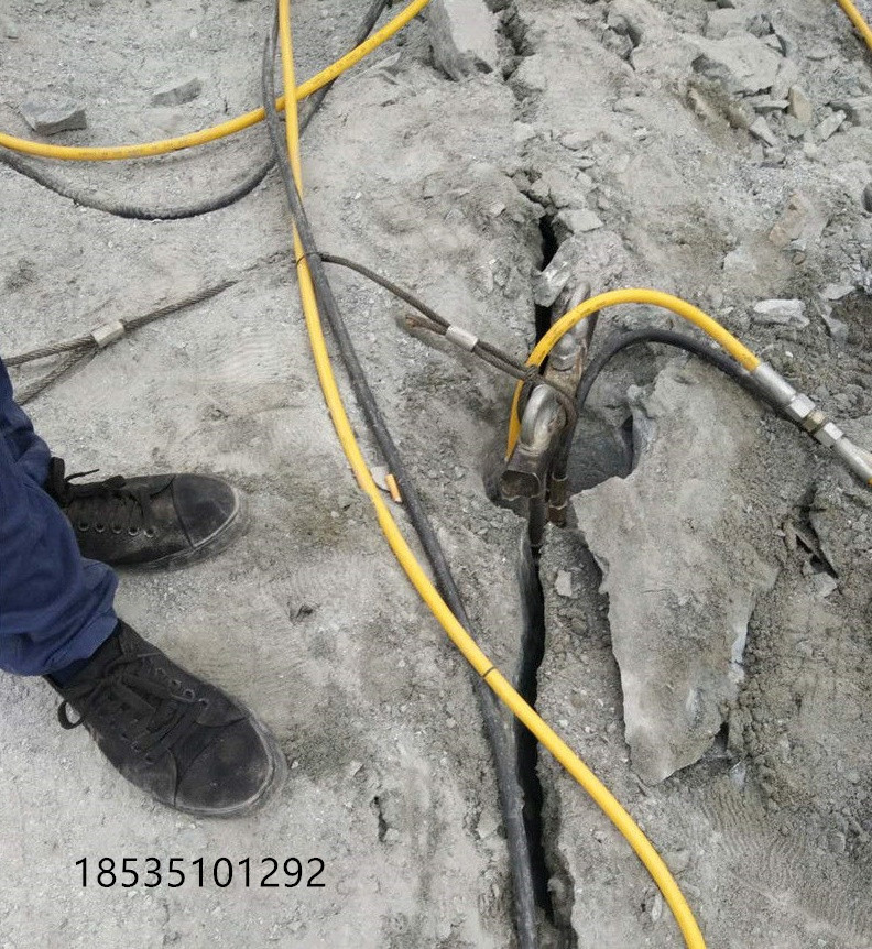 青海海南基礎鑿除硬石頭劈裂棒廠家電話