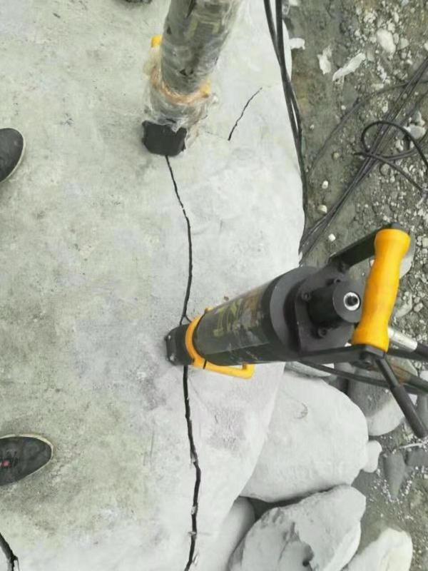 吉林松原混凝土岩石破碎机劈石哪里有卖