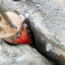 修建玻璃栈桥快速开岩石劈裂机勃利客户评论图片
