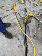 新昌大块岩石分解液压破石机破石头机械特点介绍图片