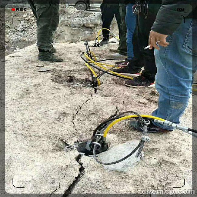 土石方硬石头破碎大型液压裂石机宜兴方法教学